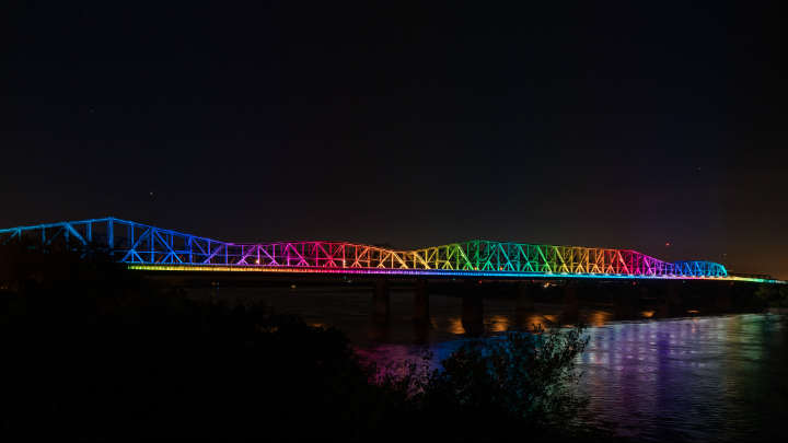 Smart bridge lighting - Big River Crossing